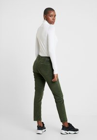 Mavi - SELINA - Pantalon classique - military - 2