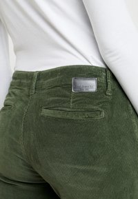 Mavi - SELINA - Pantalon classique - military - 5