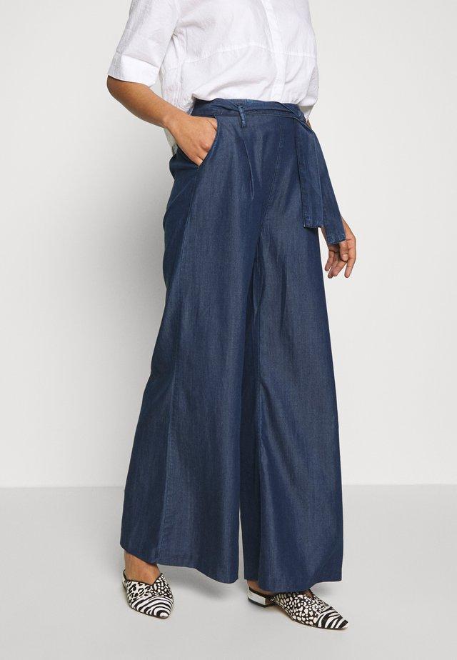 FLARE LEG PANTS - Trousers - denim