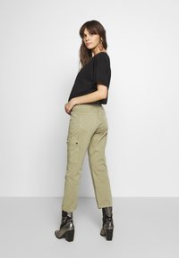 Mavi - CARLY - Trousers - green washed down - 2