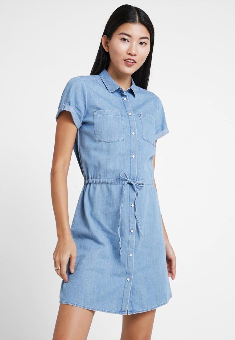 Mavi - DRESS - Jeanskjole / cowboykjoler - light indigo
