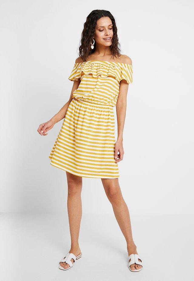 STRIPE DRESS - Jerseykleid - golden rod