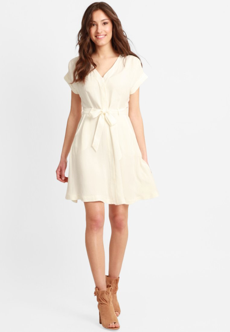 Mavi - SHORT SLEEVE  - Day dress - white