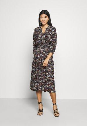 VNECK DRESS - Denní šaty - black/pastel