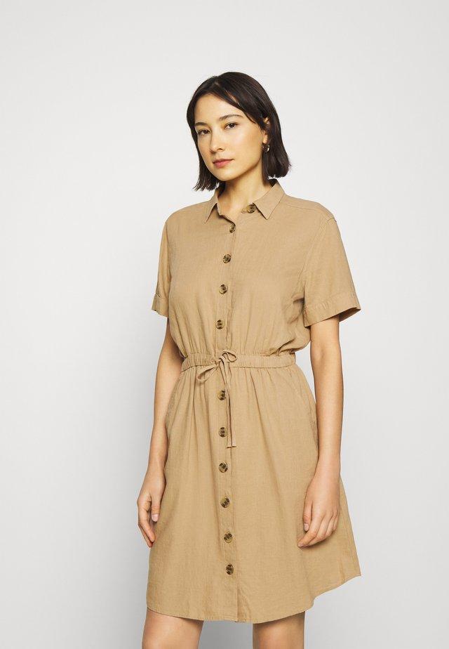 Sukienka koszulowa - beige