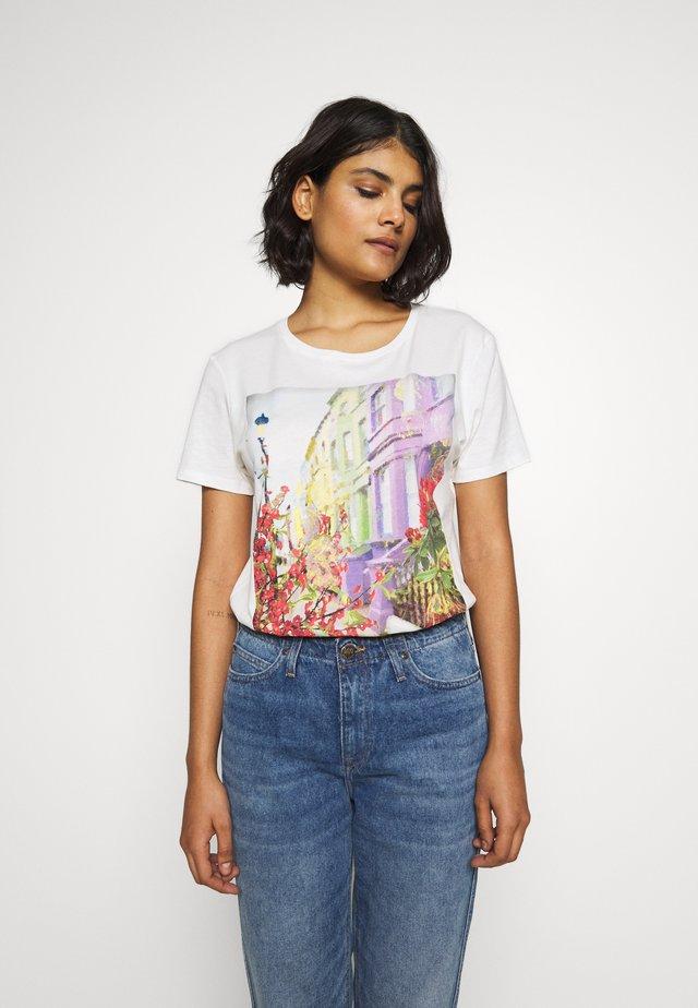 PRINTED - T-shirt z nadrukiem - antique white