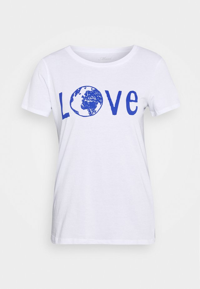 LOVE EARTH  - T-shirts med print - white