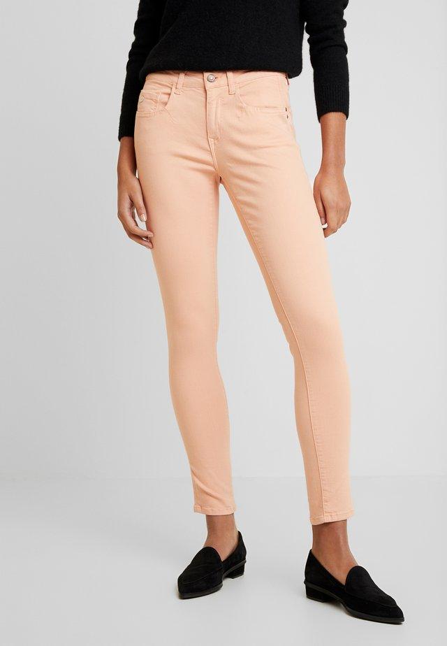 ADRIANA - Jeans Skinny Fit - somon washed