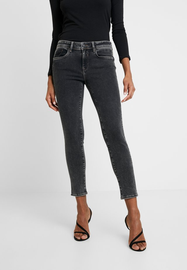ADRIANA - Jeans Skinny Fit - smoke random embelished