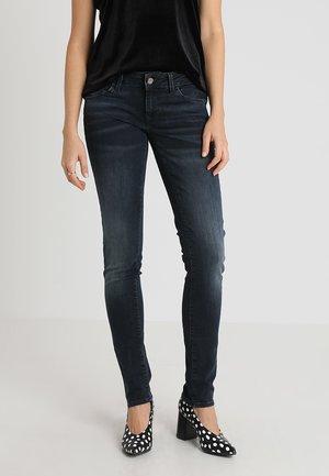 LINDY - Slim fit jeans - ink distressed glam