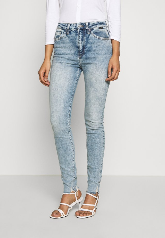 SCARLETT - Jeans Skinny Fit - light-blue denim