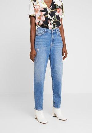 STELLA ON MANNEQUIN - Straight leg jeans - light blue denim