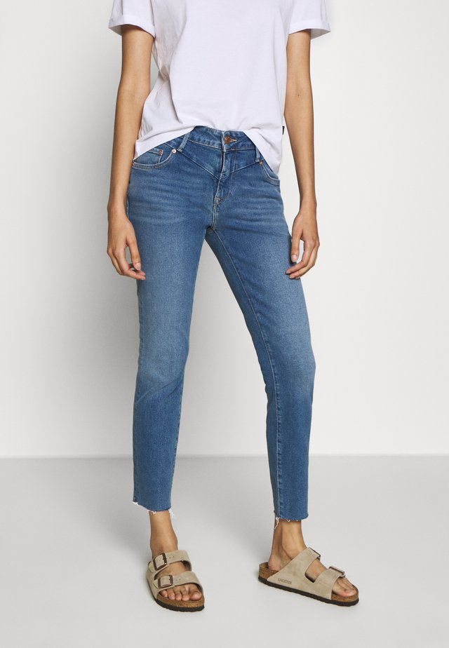 ADRIANA ANKLE - Jeans Skinny Fit - mid frayed denim