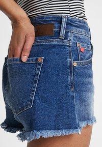 Mavi - ROSIE - Shorts di jeans - dark brushed 80's - 4