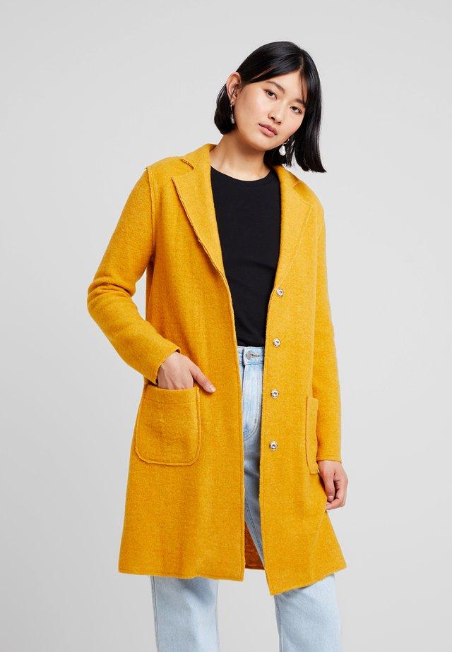 LONG SLEEVE - Classic coat - mango mojito