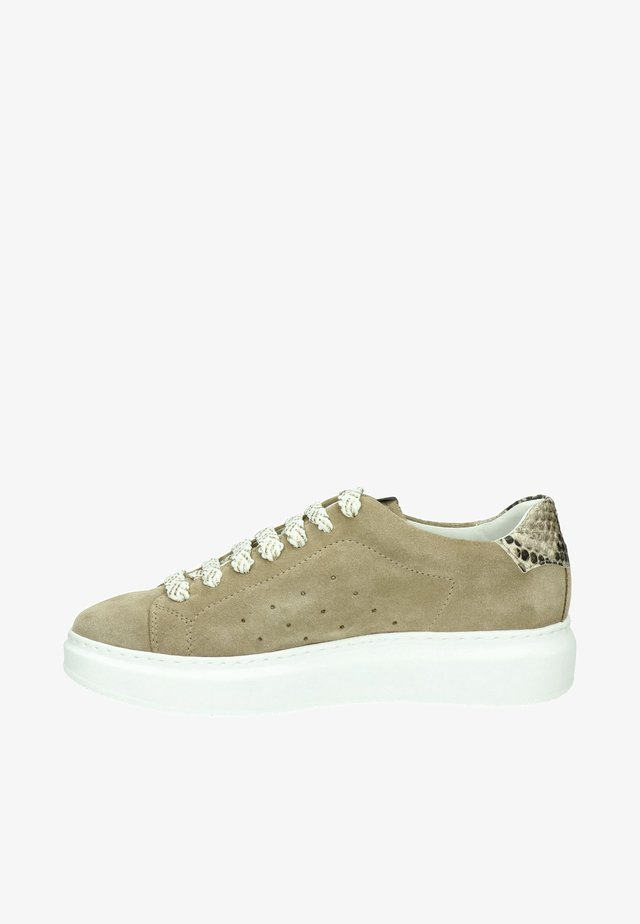 CLAIRE  - Sneakers laag - taupe