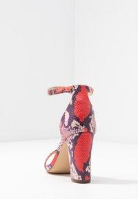 Madden Girl - BEELLA - Sandaler med høye hæler - red/multicolor - 5