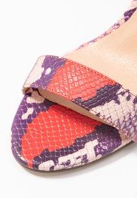 Madden Girl - BEELLA - Sandaler med høye hæler - red/multicolor - 2