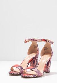 Madden Girl - BEELLA - Sandaler med høye hæler - red/multicolor - 4