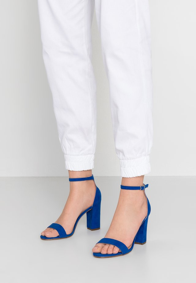 BEELLA - Højhælede sandaletter / Højhælede sandaler - bright blue