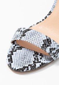 Madden Girl - BEELLA - Højhælede sandaletter / Højhælede sandaler - blue - 2