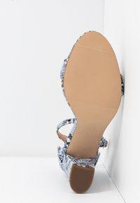 Madden Girl - BEELLA - Højhælede sandaletter / Højhælede sandaler - blue - 6