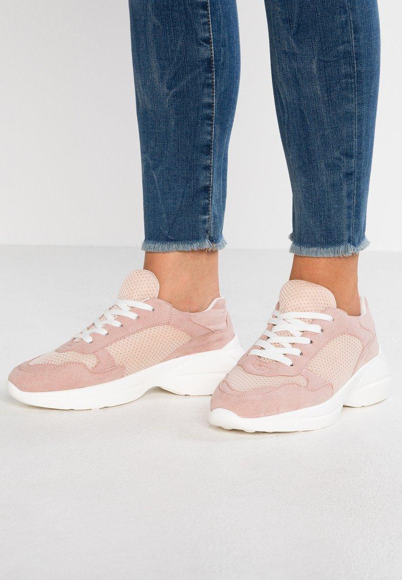 Madden Girl - BURREL - Sneaker low - blush