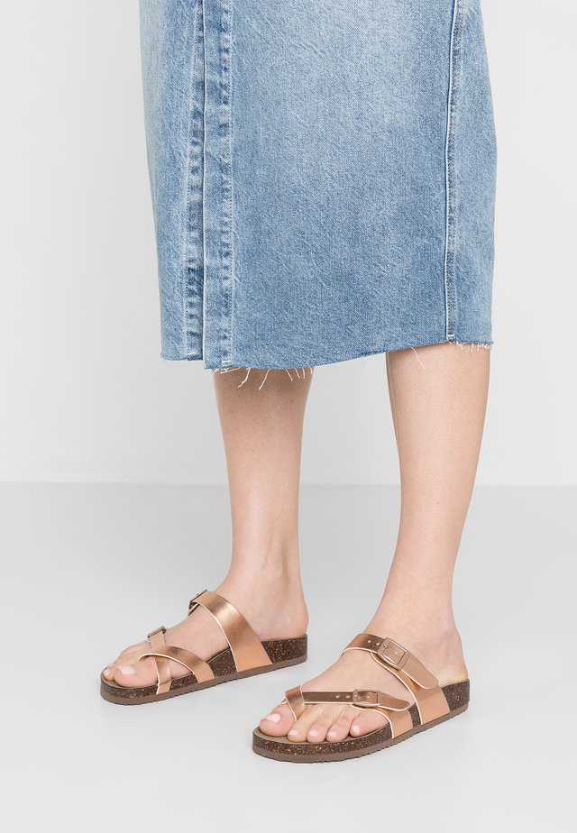 BRYCEEE - T-bar sandals - rose gold