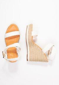 Madden Girl - NARLA - Korolliset sandaalit - white - 3