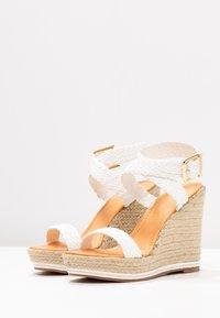Madden Girl - NARLA - Korolliset sandaalit - white - 4