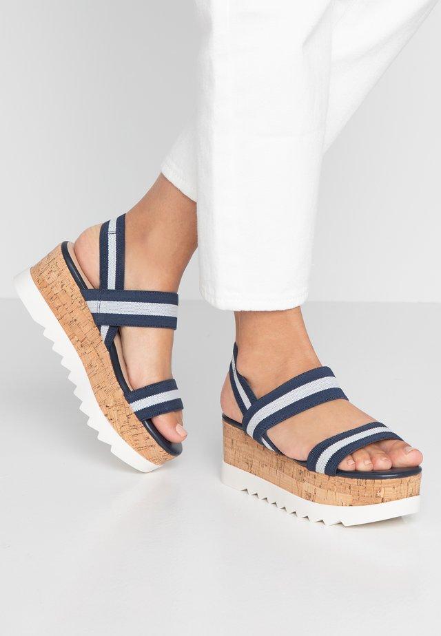SIMONEE - Sandály na platformě - navy