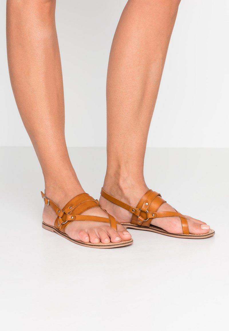 Madden Girl - SKYLA - T-bar sandals - cognac