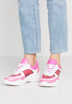 CLARITE - Sneakersy niskie - pink/multicolor