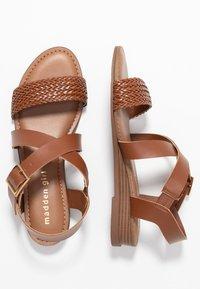 Madden Girl - CIARA - Sandaletter med kilklack - cognac - 3