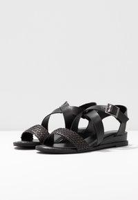 Madden Girl - CIARA - Sandaletter med kilklack - black - 4