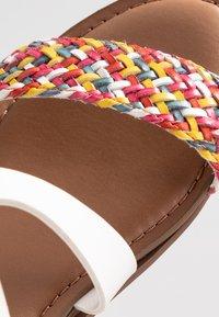 Madden Girl - CIARA - Sandaletter med kilklack - rainbow - 2