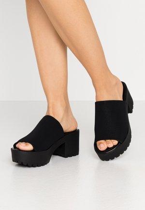 CHUCKY - Pantofle na podpatku - black