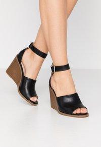 Madden Girl - GARLAND - Højhælede sandaletter / Højhælede sandaler - black paris - 0