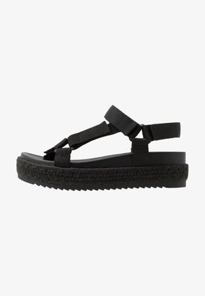 CAMBRIDGE - Espadrilles - black