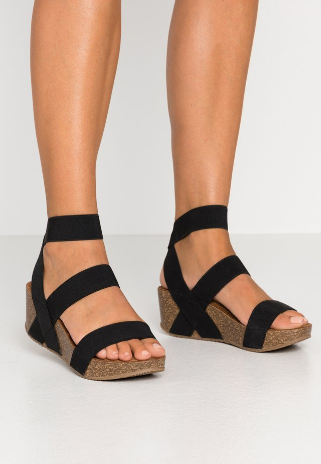ZOEY - Korkeakorkoiset sandaalit - black