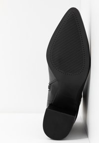 Madden Girl - DAFNII - Classic ankle boots - black - 6