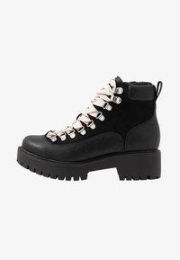 Madden Girl - LODGE - Korte laarzen - black paris - 1