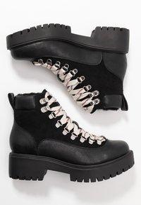 Madden Girl - LODGE - Korte laarzen - black paris - 3