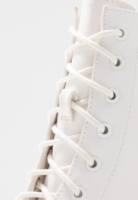 Madden Girl - ARCHIEE - High heeled ankle boots - white - 2