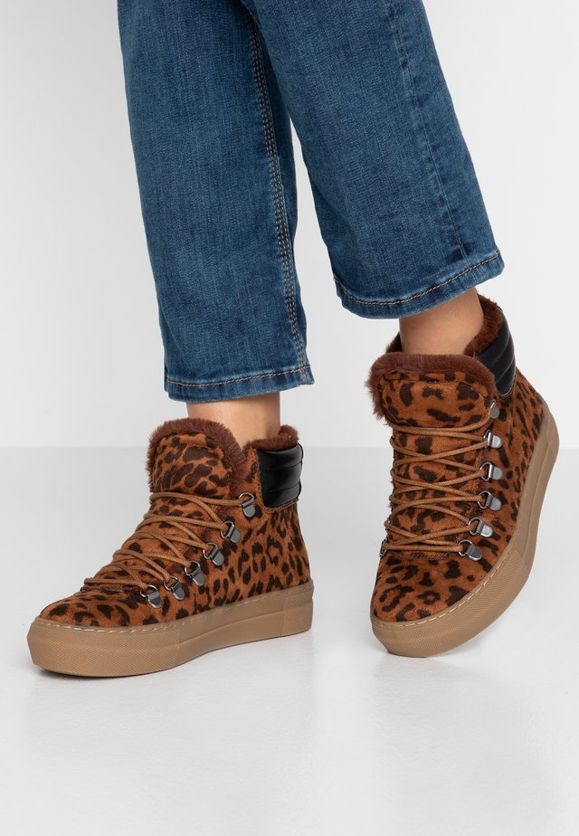 BREZZY - Ankle boots - brown