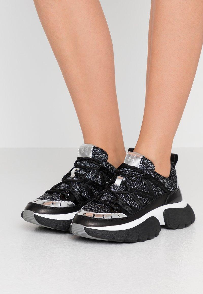 maje - Sneakers laag - noir/argent
