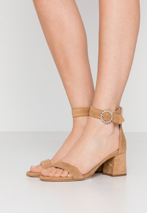 FARIOZ - Sandals - camel