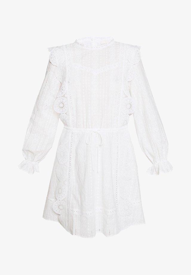 RAVIA - Vapaa-ajan mekko - blanc