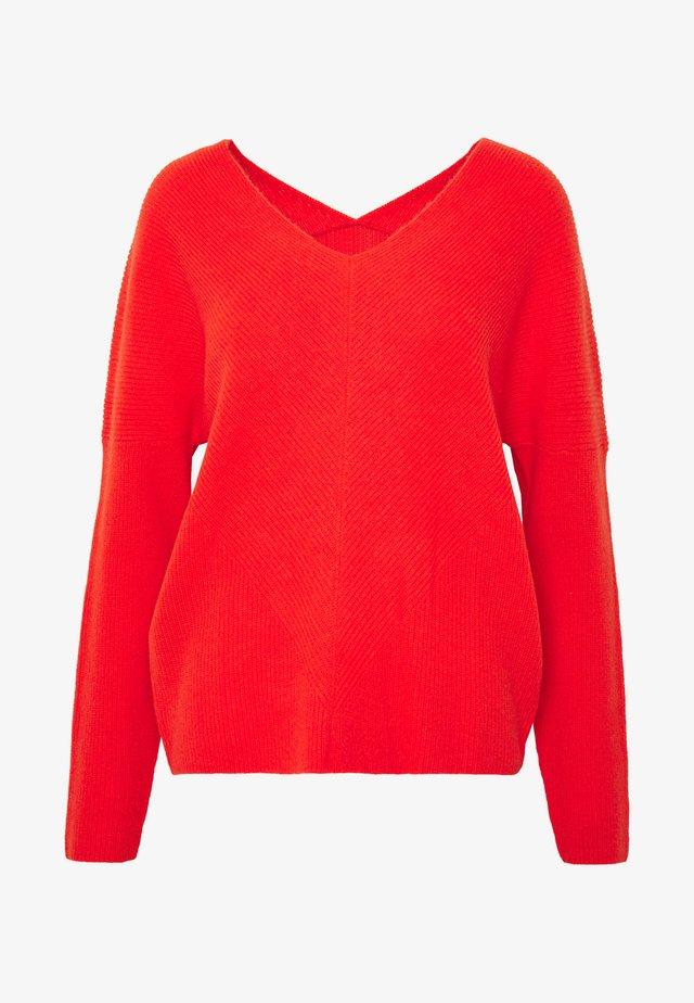 MADINA - Sweter - orange