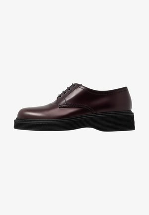 Derbies - burgandy